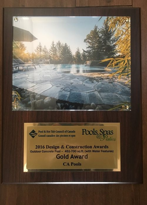 2016 Pool & Hot Tub council of Canada Design & Construction Awards (Outdoor Vinyl Pool - 451-700 sq.ft. Water Features) Gold Award